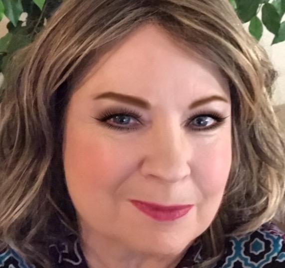 Laura Jay - Book Club Reporter Editor